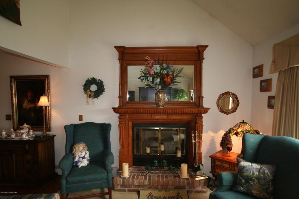 Additional photo for property listing at 91 Spinnaker Court  Bayville, New Jersey 08721 États-Unis