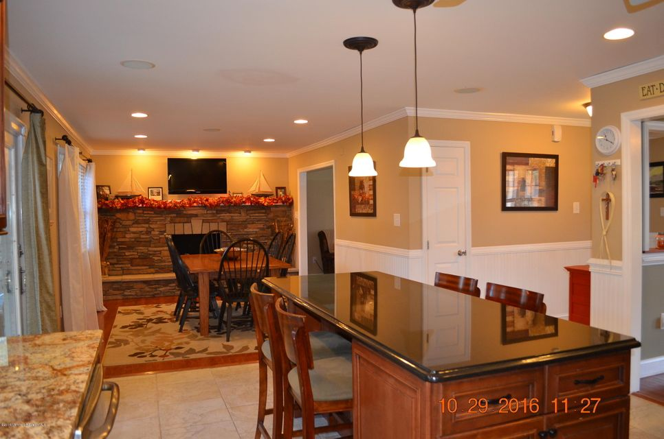 Additional photo for property listing at 7 Mayflower Drive  Little Egg Harbor, New Jersey 08087 États-Unis