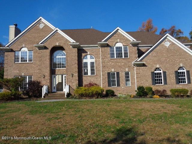 Maison unifamiliale pour l Vente à 6 Greentree Court Howell, New Jersey 07731 États-Unis