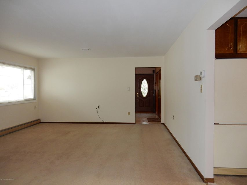 Additional photo for property listing at 16 Santa Fe Court  Toms River, New Jersey 08757 États-Unis