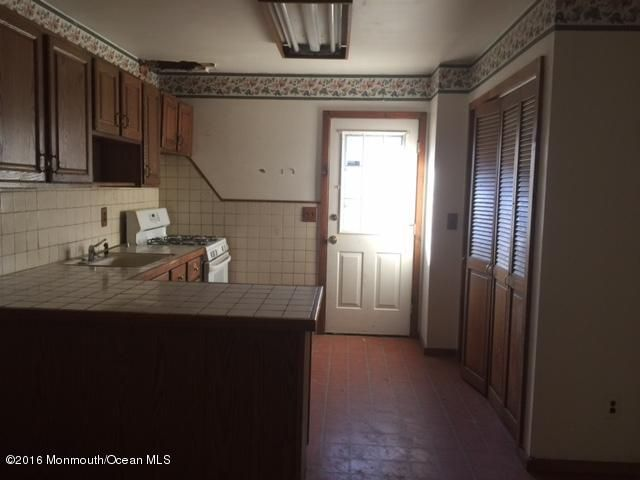 Additional photo for property listing at 1709 Mohawk Drive  Toms River, New Jersey 08753 United States
