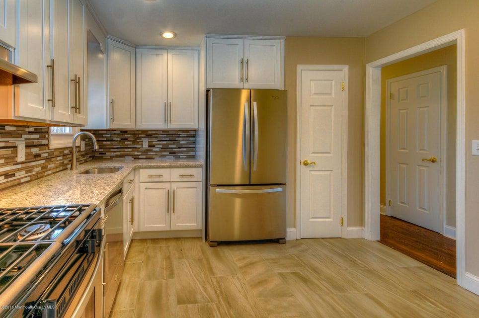 独户住宅 为 销售 在 3 Oak View Terrace 伊顿敦, 07724 美国