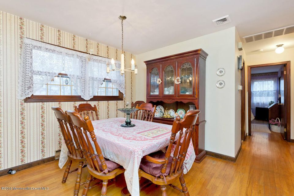 Additional photo for property listing at 37 Cranmer Road  Berkeley, New Jersey 08721 United States