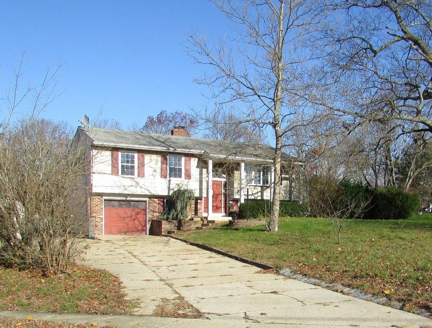 Casa Unifamiliar por un Venta en 30 Cypress Road Toms River, Nueva Jersey 08753 Estados Unidos