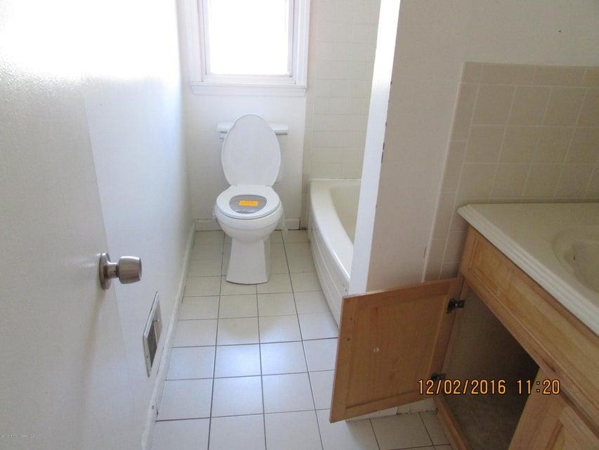 Additional photo for property listing at 30 Cypress Road  Toms River, Nueva Jersey 08753 Estados Unidos