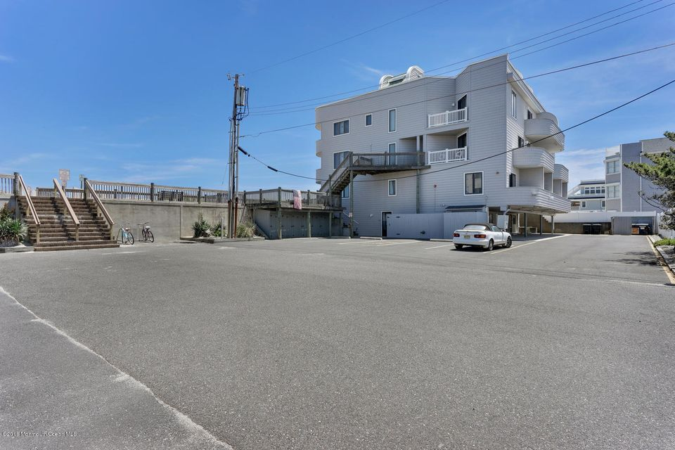 Additional photo for property listing at 304 Ocean Avenue  South Seaside Park, 新泽西州 08752 美国