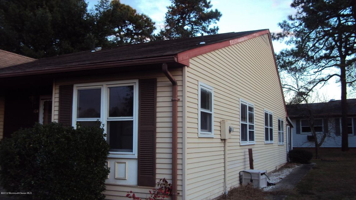 Additional photo for property listing at 104 Chelsea Drive  Whiting, New Jersey 08759 United States