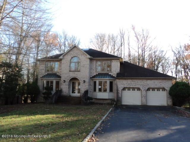Casa Unifamiliar por un Venta en 11 Wiltshire Drive Manalapan, Nueva Jersey 07726 Estados Unidos
