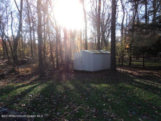 Additional photo for property listing at 11 Wiltshire Drive  Manalapan, Nueva Jersey 07726 Estados Unidos