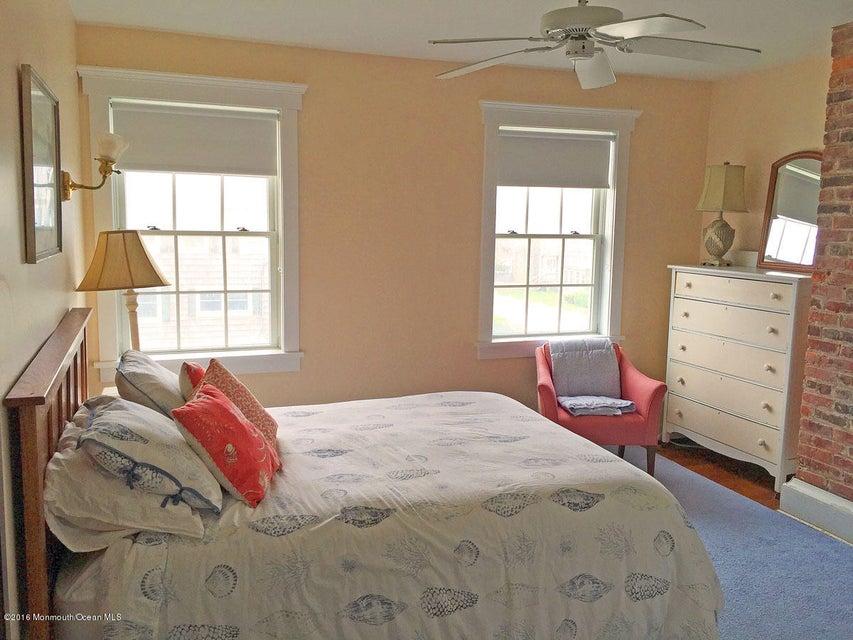 Additional photo for property listing at 695 East Avenue  Bay Head, Nueva Jersey 08742 Estados Unidos