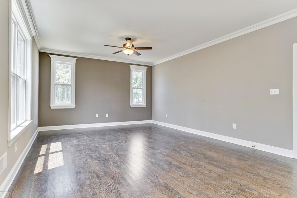 Additional photo for property listing at 590 Broadway Boulevard  Toms River, New Jersey 08757 États-Unis