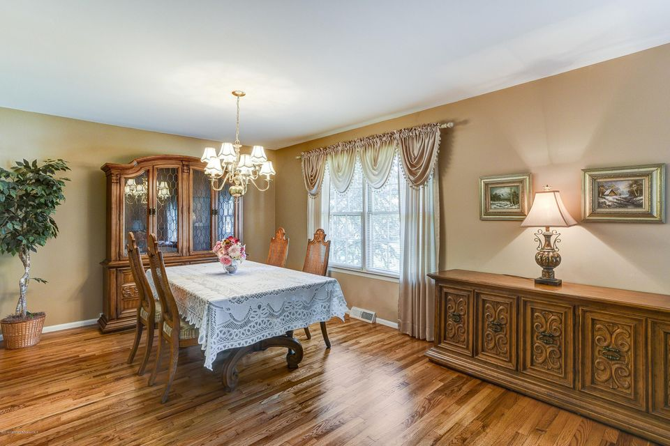 Additional photo for property listing at 21 Foxcroft Drive  Marlboro, New Jersey 07746 United States
