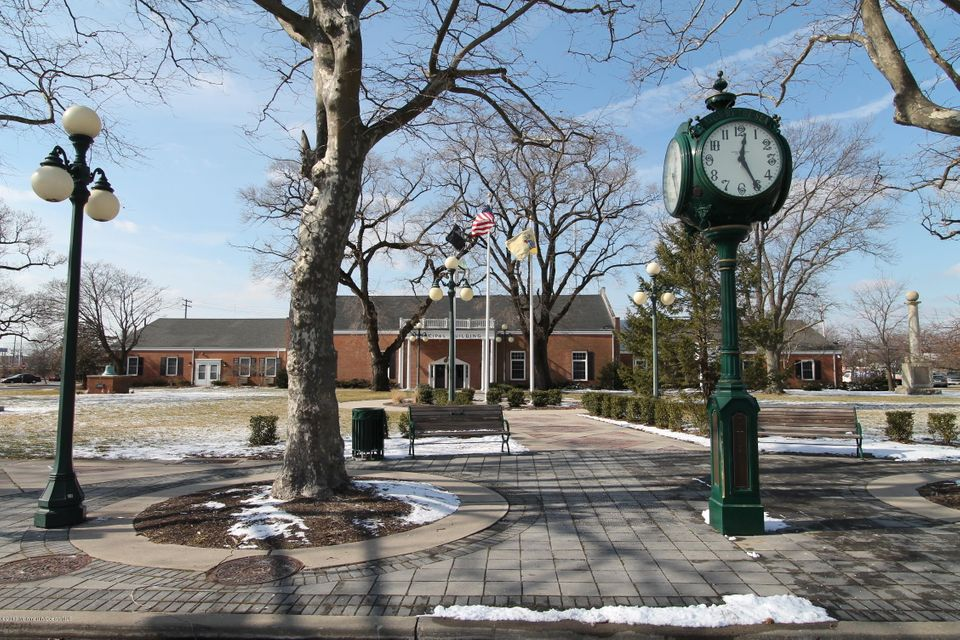 Additional photo for property listing at 222 Main Street  Avon By The Sea, New Jersey 07717 États-Unis