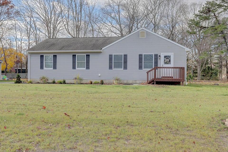 独户住宅 为 销售 在 3 Benson Street 廷顿瀑布市, 新泽西州 07724 美国