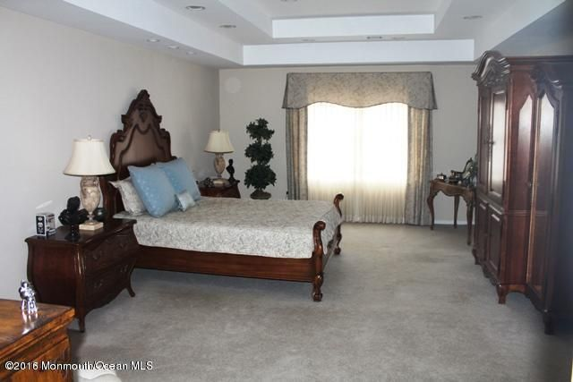 Additional photo for property listing at 8 Appaloosa Drive  纳拉潘市, 新泽西州 07726 美国