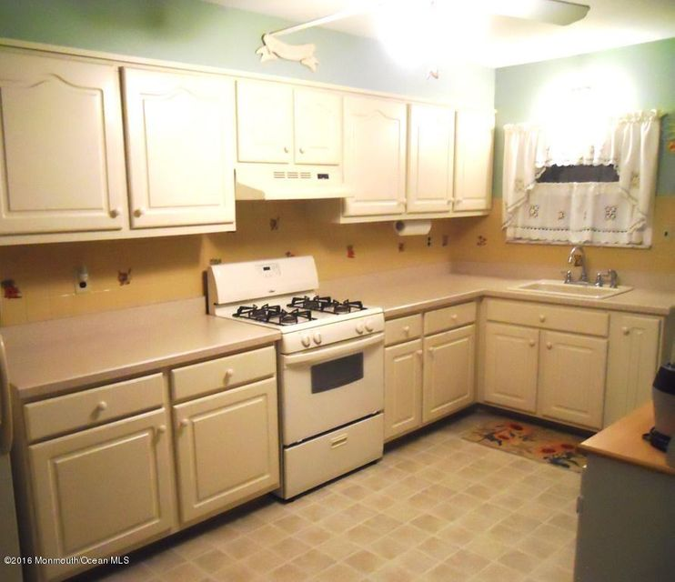 Additional photo for property listing at 23 Bimini Drive  Toms River, New Jersey 08757 États-Unis