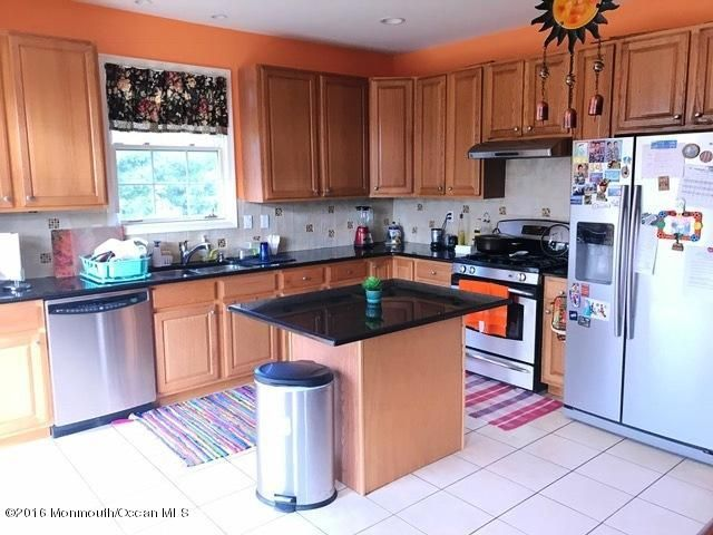 Additional photo for property listing at 25 Smock Court  Manalapan, New Jersey 07726 United States
