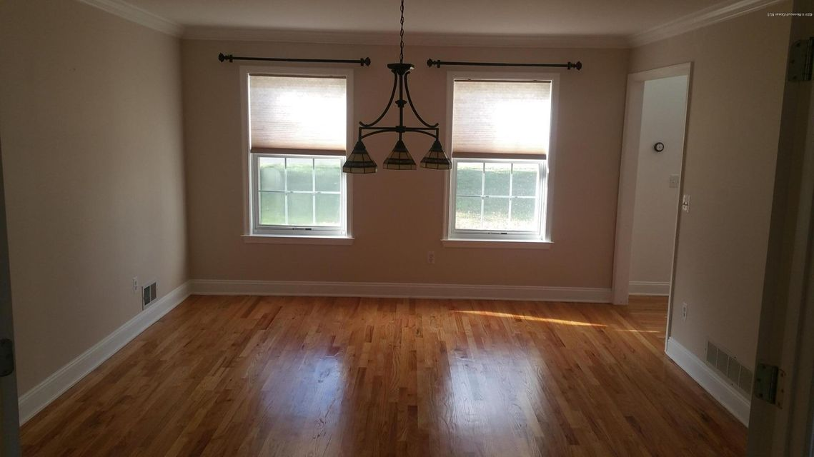 Additional photo for property listing at 33 Morganville Road  Matawan, New Jersey 07747 États-Unis
