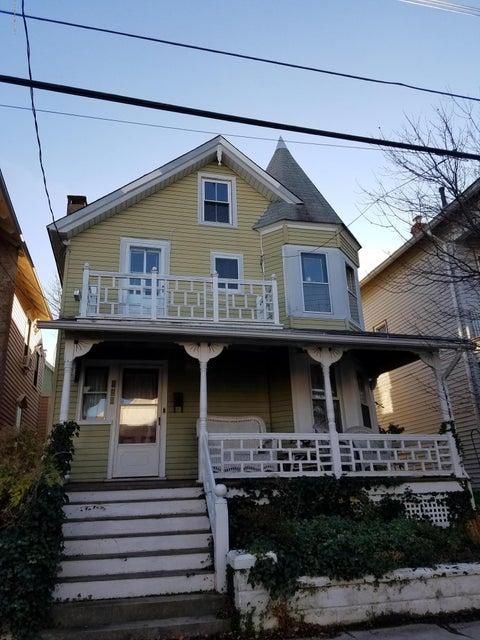 多户住宅 为 出租 在 136 Mount Tabor Way Ocean Grove, 新泽西州 07756 美国