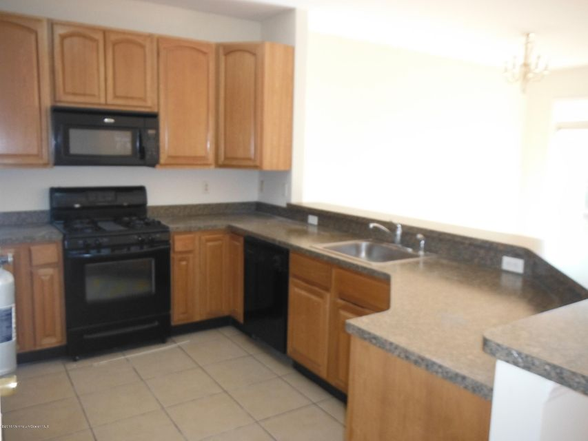 Additional photo for property listing at 100 Pine Street  Lakehurst, Nueva Jersey 08733 Estados Unidos