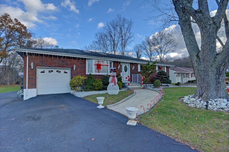 Additional photo for property listing at 3 Ridge Road  Morganville, New Jersey 07751 États-Unis