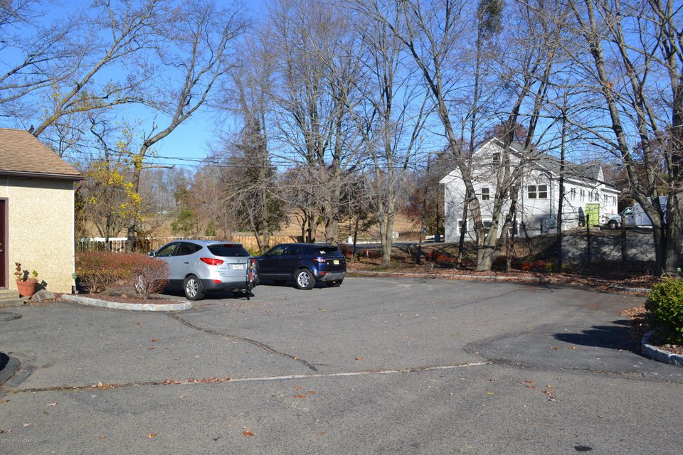 Additional photo for property listing at 705 Tennent Road  Manalapan, New Jersey 07726 United States