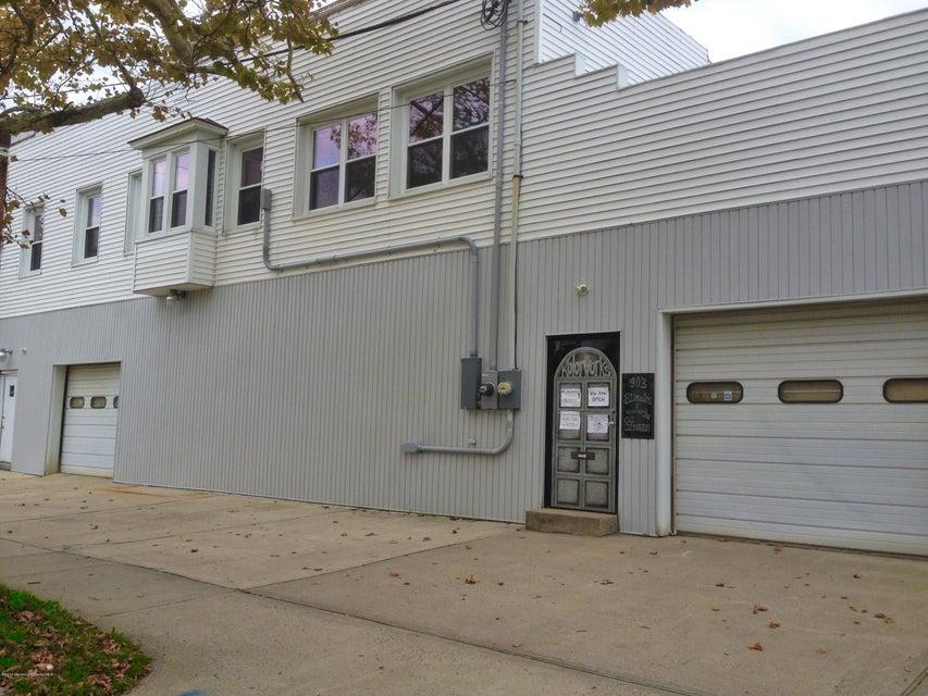 Commercial pour l Vente à 903 1st Avenue Asbury Park, New Jersey 07712 États-Unis