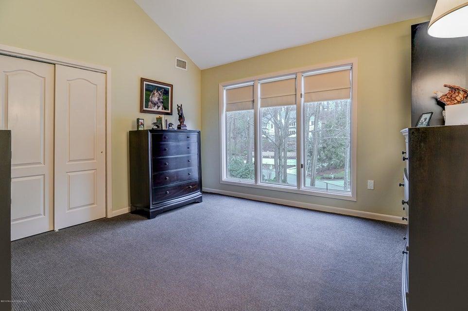 Additional photo for property listing at 7 Jayhawk Way 7 Jayhawk Way Holmdel, New Jersey 07733 United States