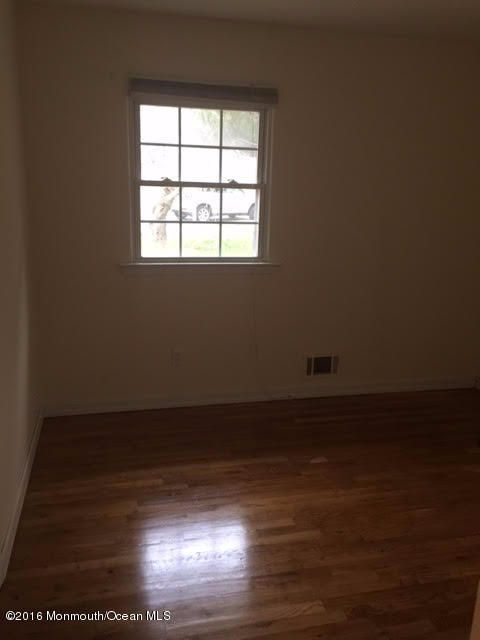 Additional photo for property listing at 10 Pleasant Court  Toms River, New Jersey 08753 United States