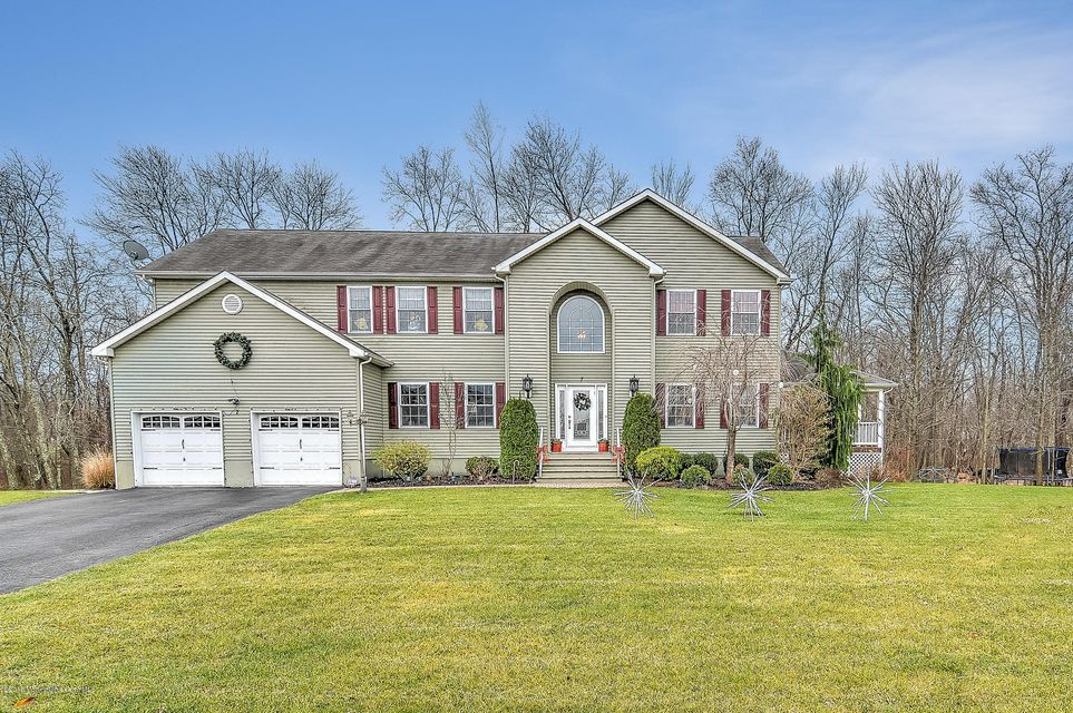 Single Family Home for Sale at 7 Rapids Drive Jackson, New Jersey 08527 United States