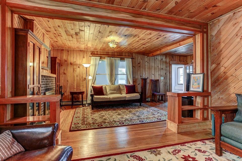 Additional photo for property listing at 9 Wyckoff Street  Matawan, 新泽西州 07747 美国
