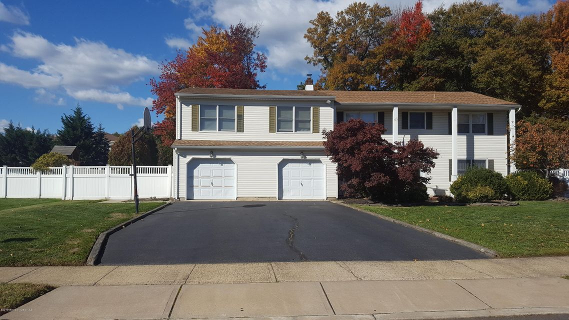 Additional photo for property listing at 10 Sieben Drive  Middletown, Nueva Jersey 07748 Estados Unidos