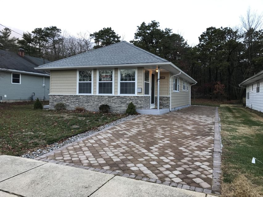 Single Family Home for Sale at 2248 Mount Hood Lane Toms River, New Jersey 08753 United States