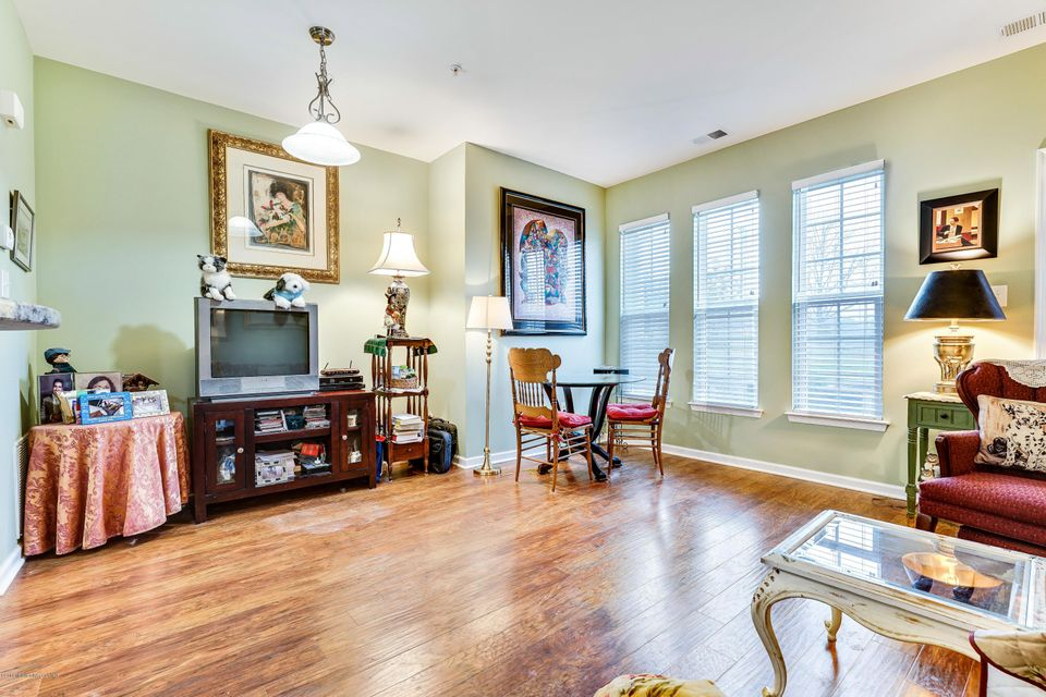 Additional photo for property listing at 159 Kyle Drive  Tinton Falls, Nueva Jersey 07712 Estados Unidos