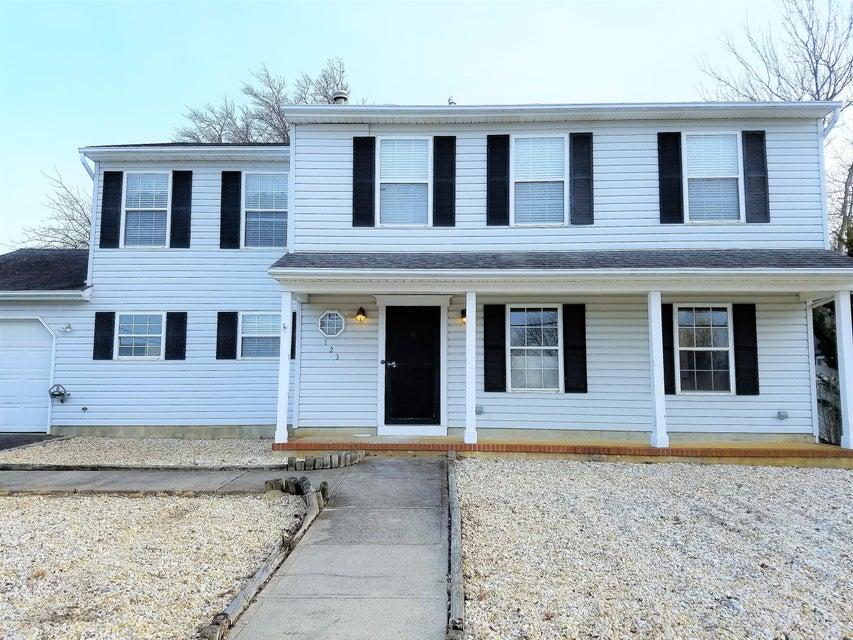 Maison unifamiliale pour l Vente à 123 Mathis Drive Brick, New Jersey 08723 États-Unis