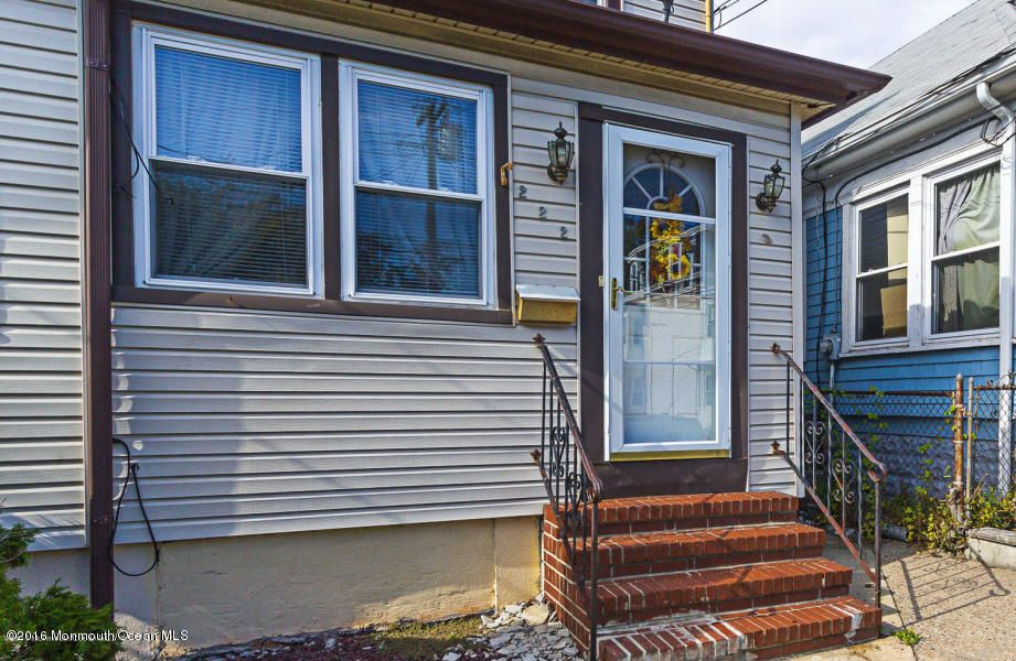 Additional photo for property listing at 222 2nd Street  South Amboy, 新泽西州 08879 美国