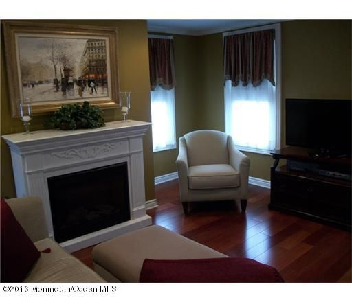 Additional photo for property listing at 12 Main Street  Englishtown, New Jersey 07726 États-Unis