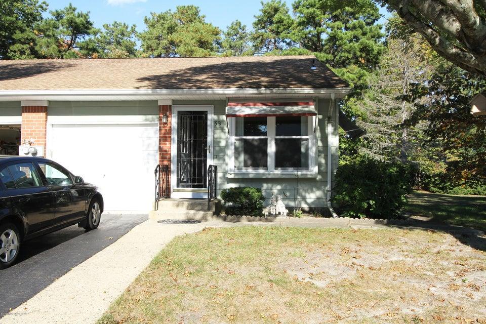 Casa Unifamiliar por un Venta en 5 Homestead Drive Whiting, Nueva Jersey 08759 Estados Unidos