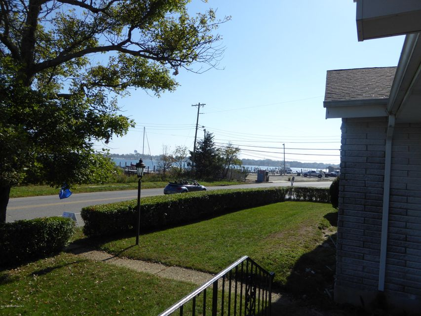 Additional photo for property listing at 341 Riverside Drive  Neptune, Nueva Jersey 07753 Estados Unidos