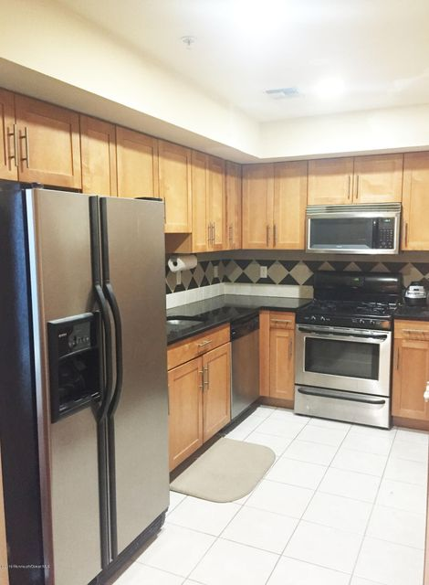 Additional photo for property listing at 112 63rd Street  West New York, Nueva Jersey 07093 Estados Unidos