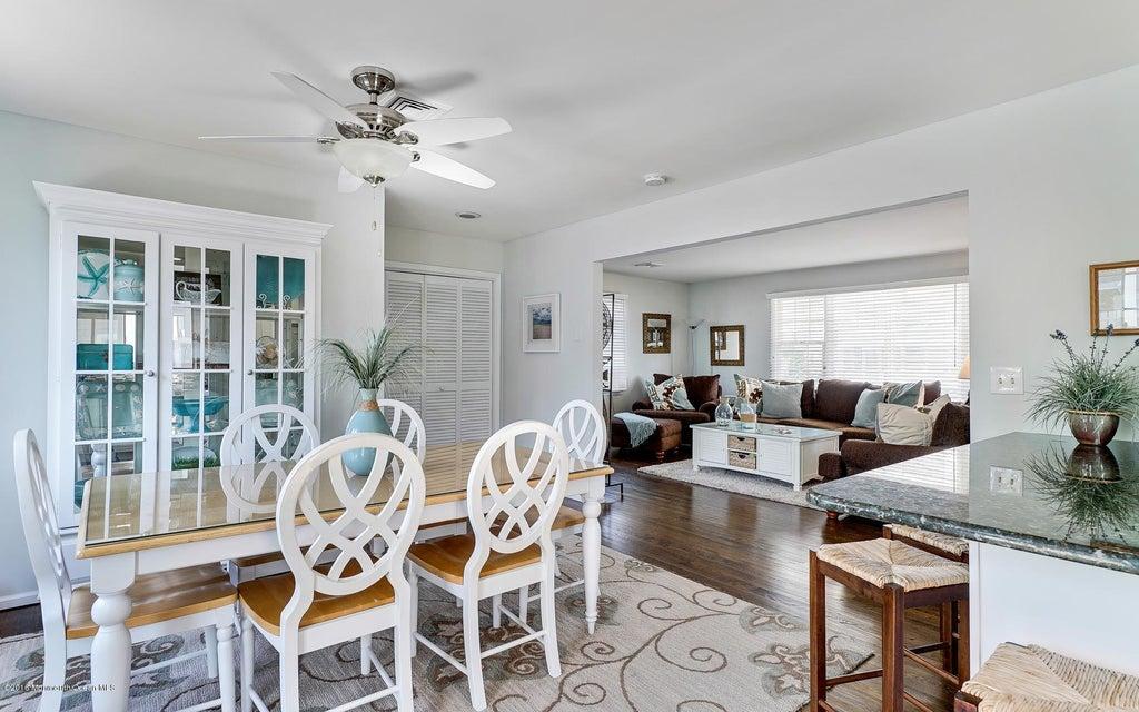 Additional photo for property listing at 29 6th Avenue  Seaside Park, Nueva Jersey 08752 Estados Unidos
