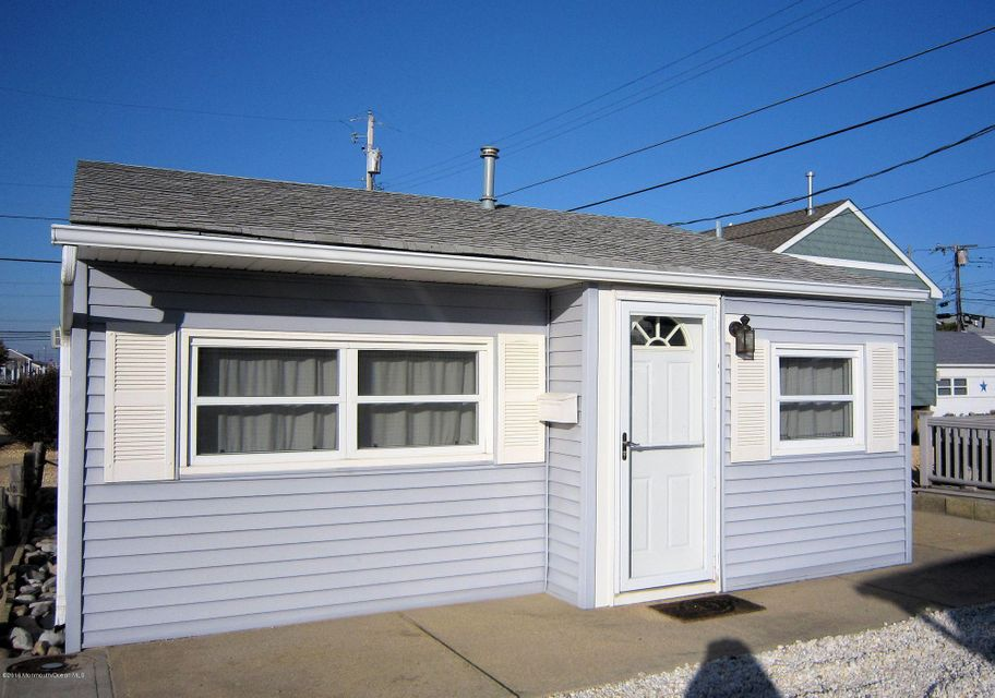 Single Family Home for Sale at 26 Marlin Way Lavallette, New Jersey 08735 United States