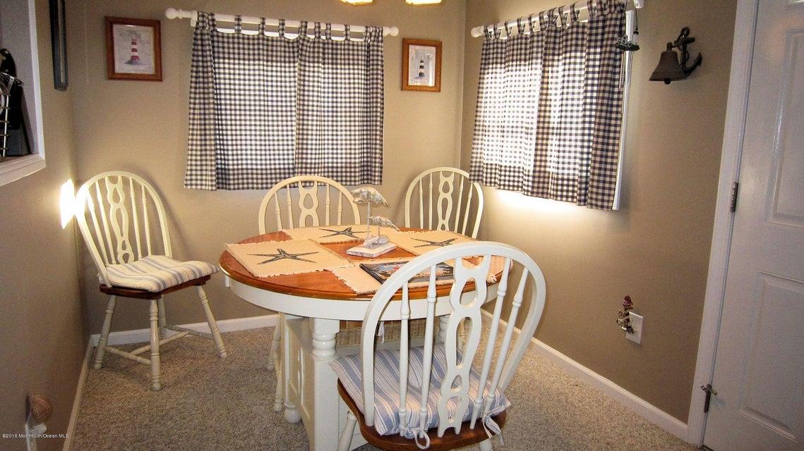 Additional photo for property listing at 26 Marlin Way  Lavallette, Nueva Jersey 08735 Estados Unidos