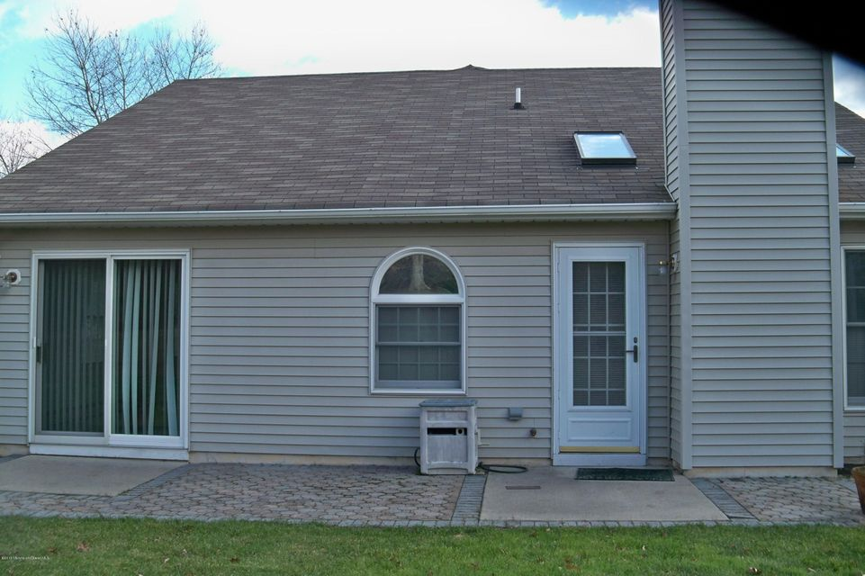 Additional photo for property listing at 2280 Tomera Place  Toms River, Nueva Jersey 08755 Estados Unidos