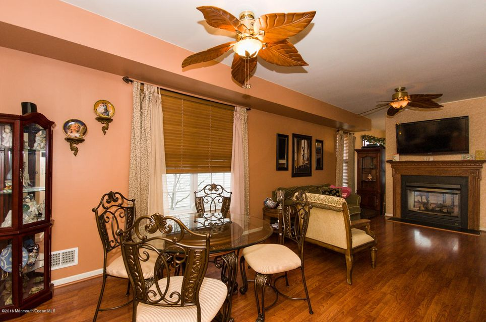 Additional photo for property listing at 4 Passage Lane  Barnegat, New Jersey 08005 United States