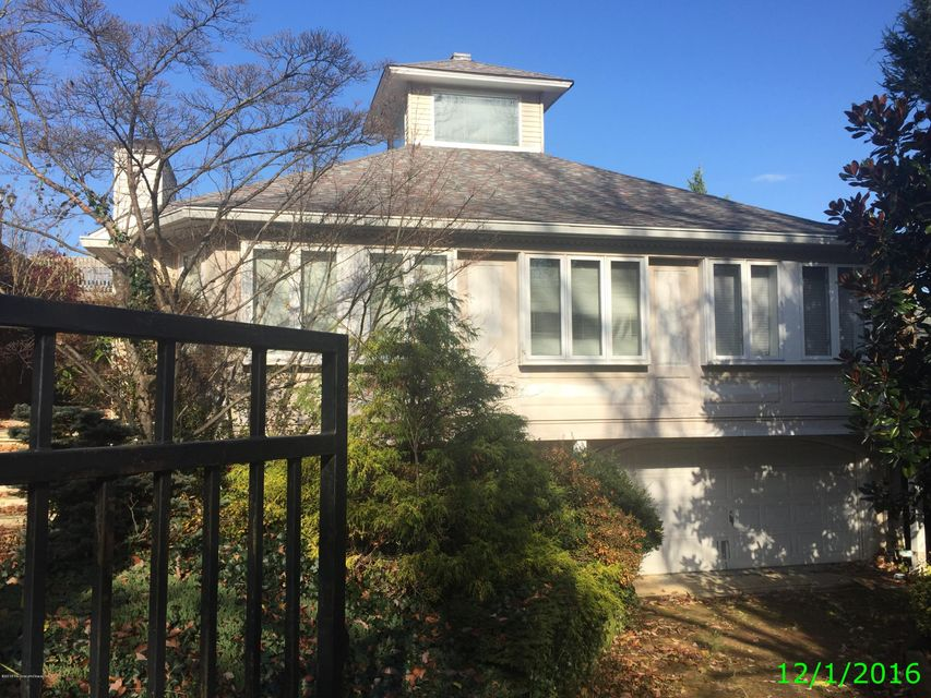 Single Family Home for Sale at 12 Eyrie Road 12 Eyrie Road Atlantic Highlands, New Jersey 07716 United States