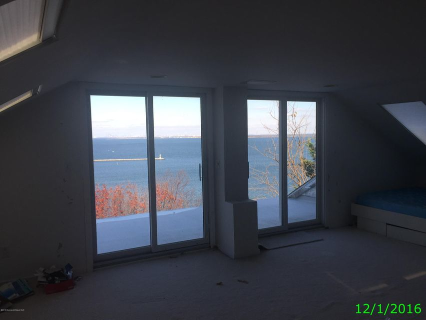Additional photo for property listing at 12 Eyrie Road 12 Eyrie Road Atlantic Highlands, New Jersey 07716 États-Unis