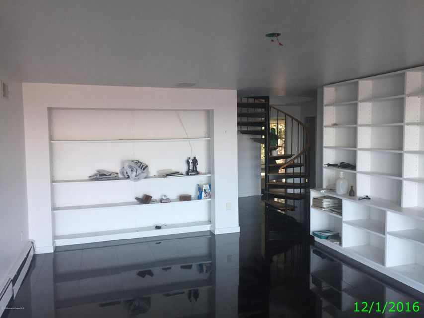 Additional photo for property listing at 12 Eyrie Road  大西洋高地, 新泽西州 07716 美国