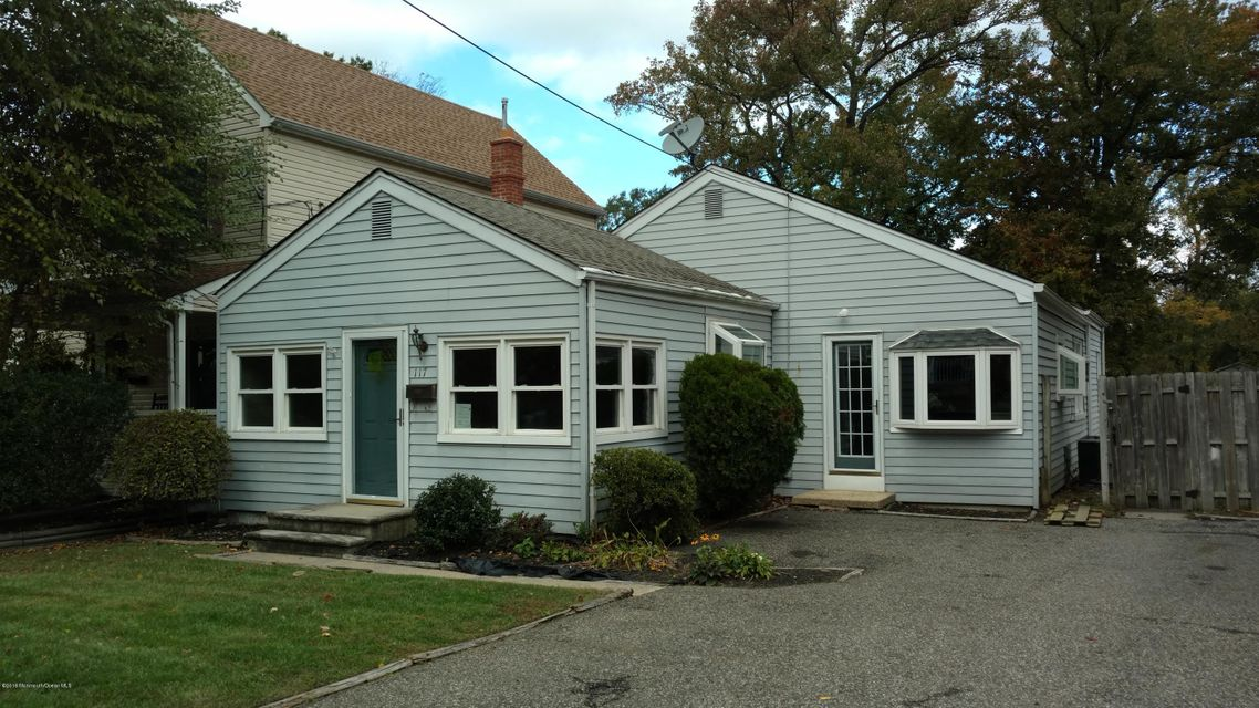 Single Family Home for Sale at 117 Hamilton Avenue Leonardo, New Jersey 07737 United States