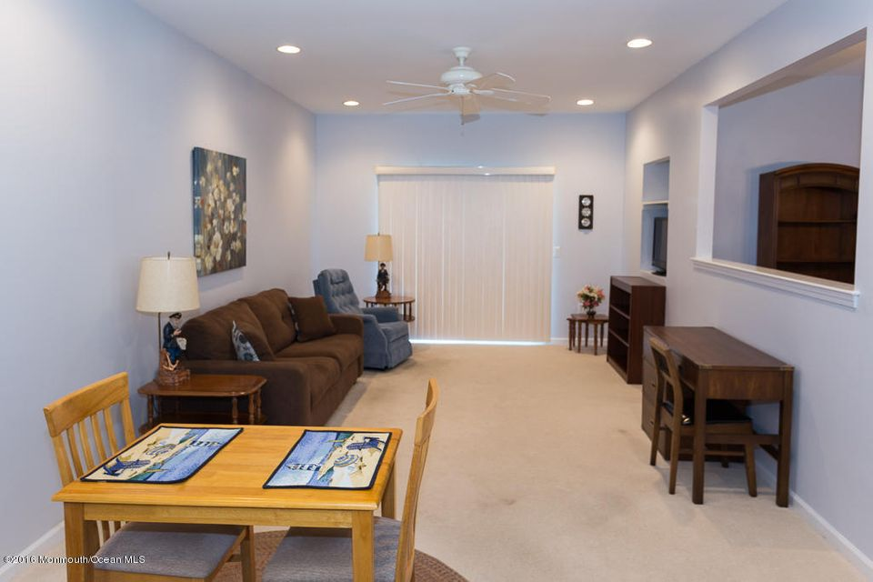 Additional photo for property listing at 27 Deerchase Lane  Lakewood, Nueva Jersey 08701 Estados Unidos
